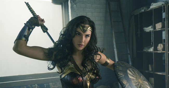 "Tunisia, Algeria Also Ban ""Wonder Woman"" Movie"
