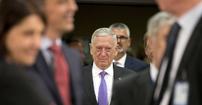 Mattis Delays Implementation of Transgender Recruitment Policy