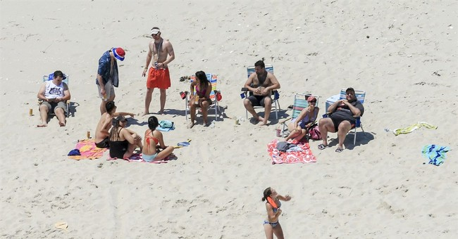 Chris Christie Slammed For Going To A Beach That Was Closed To The Public Due To Shutdown