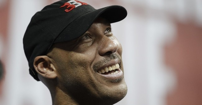 LaVar Ball Attempts to Reignite Twitter Feud With President Trump