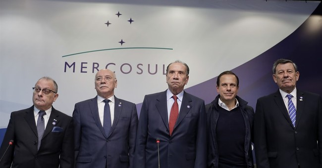 venezuela and mercosur trade blocs South american trade bloc mercosur will trigger its democratic clause this weekend to suspend venezuela indefinitely and not allow it back until democracy is restored, a brazilian government.