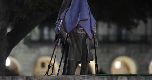 UT Austin Removes Statues of Confederate Figures