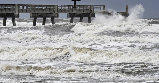 Hurricane Irma: Winds push water out of Tampa Bay, Charlotte Harbor
