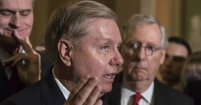 Lindsey Graham Slams Trump Aide, Says White Home Workers Making Negotiations 'Troublesome'