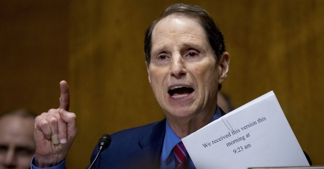 Oregon Senator: I 'Expect' Franken Will Resign on Thursday