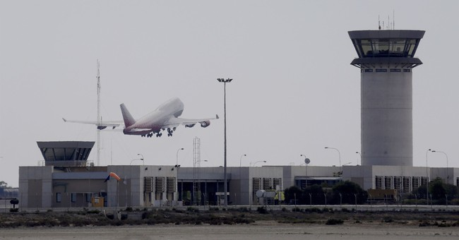 Flights in NYC Area Temporarily Halted After FAA Trainee Tests Positive for Coronavirus