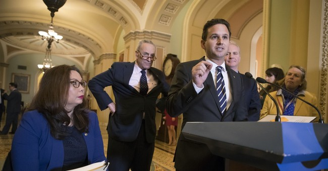 Liberal Senator Invites 'McCain Republicans' to Vote For Democrats in 2020. No Thanks.