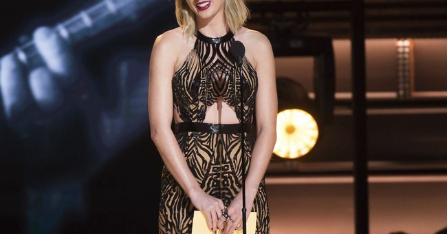 Taylor Swift Bought a House for a Homeless, Pregnant Fan
