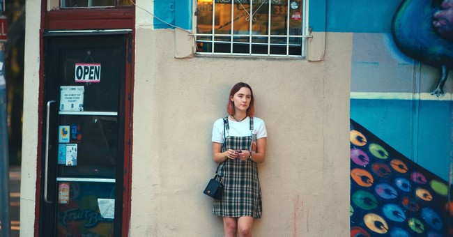 'Lady Bird': A Charming Take on Teen Angst
