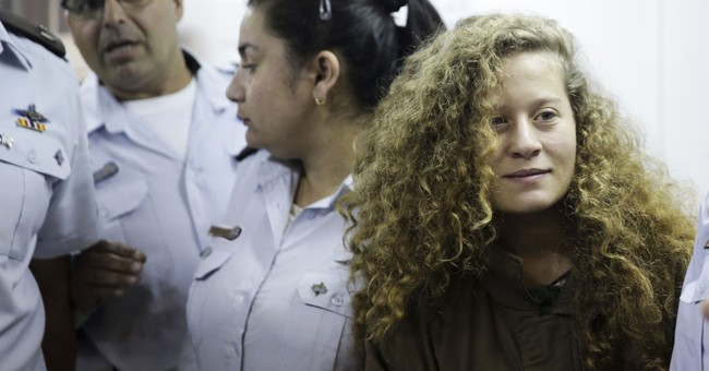 Palestinian girl who hit soldiers could get long sentence