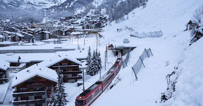 Tourists relieved as access to snowbound Swiss town returns