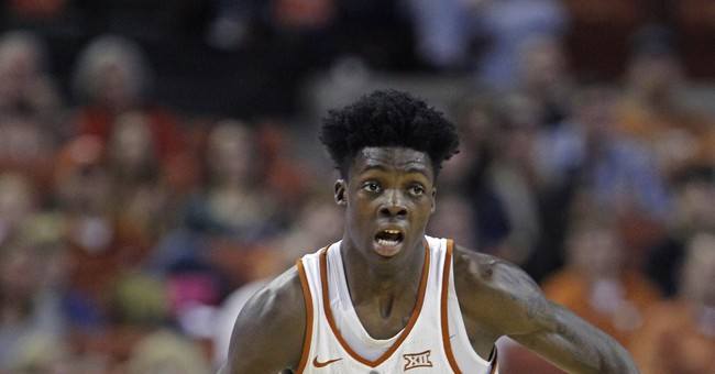 Texas guard Andrew Jones diagnosed with leukemia