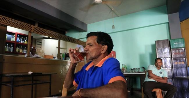 Sri Lanka lifts 38-year ban on women buying, selling alcohol