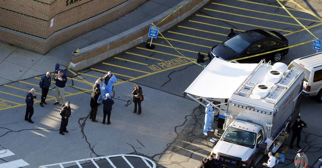 Police: 'Dignitaries' disrupted Sandy Hook massacre scene