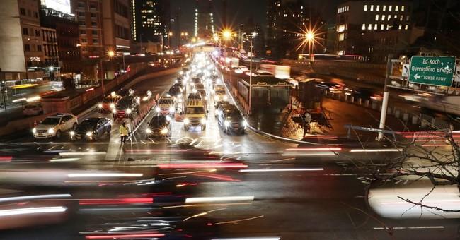 Plan to relieve Manhattan gridlock with tolls gains momentum