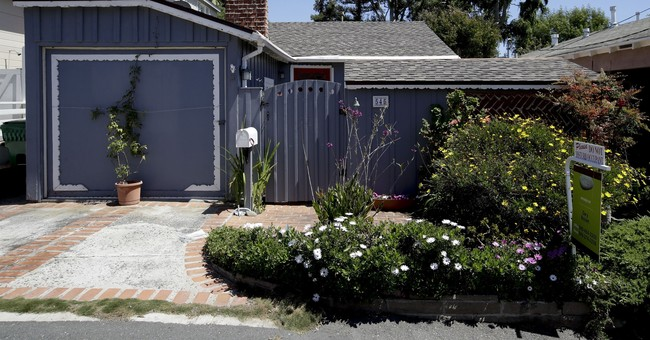 Tiny California cottage on market for just under $1 million