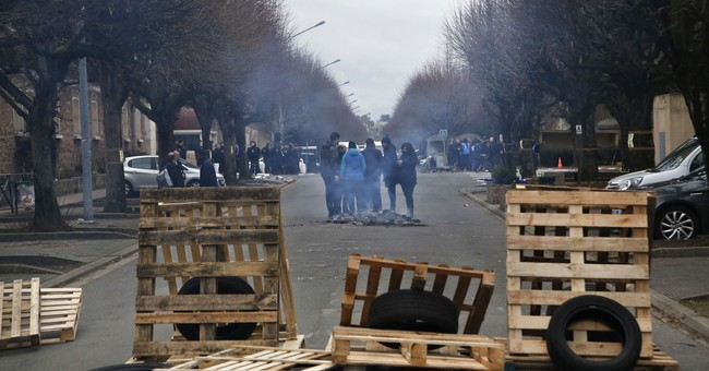 Protests hit French prisons over violence, overcrowding