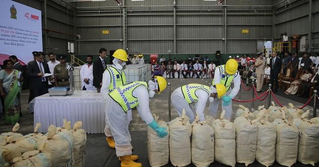 Sri Lanka police destroy record seizure of cocaine