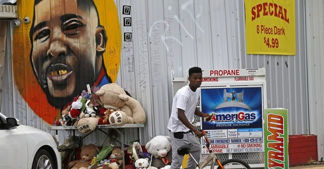 The Latest: Thousands gather in Memphis where King was slain