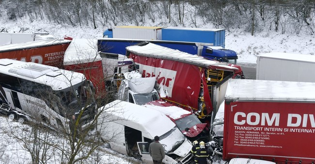 Czech highway closed amid heavy snow, multiple car crashes