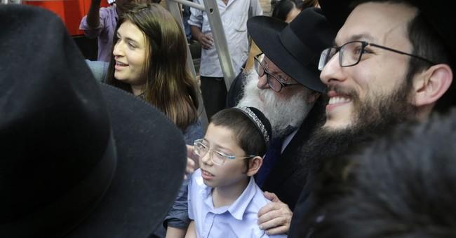 Jewish child orphaned in Mumbai attacks makes 1st visit back