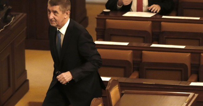 New Czech minority government fails to win confidence vote