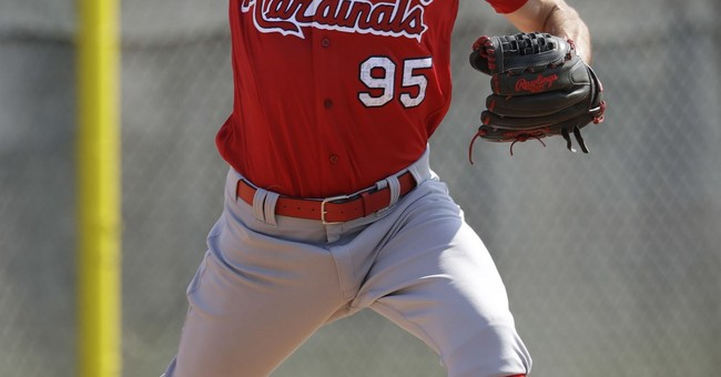 Cardinals' Poncedeleon reaches majors after head injury