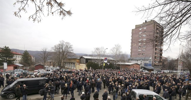 Thousands pay respects to slain Kosovo Serb leader