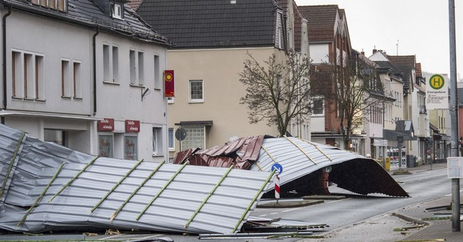 Powerful gale lashes Europe, 7 dead amid traffic chaos
