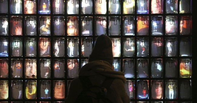Outdoor artworks illuminate London in Lumiere Festival