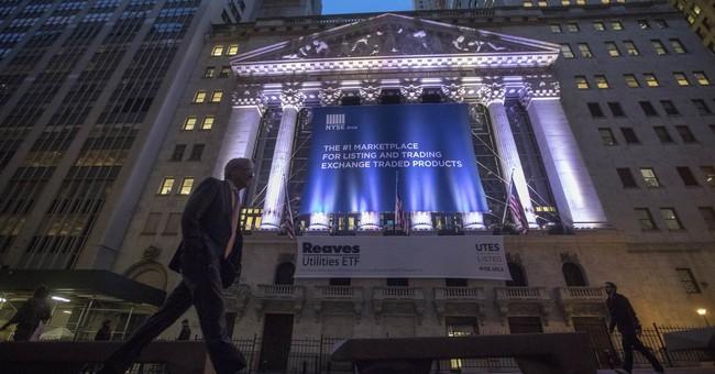 Markets Right Now: Renewed tariff threats weighs on stocks