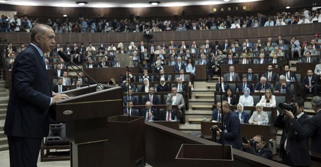 Çavuşoğlu: Turkey will not implement anti-Iran sanctions imposed by US