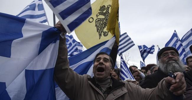 Greek, Macedonian leaders to meet despite protests