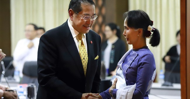 Former New Mexico Gov. Richardson meets with Myanmar leader