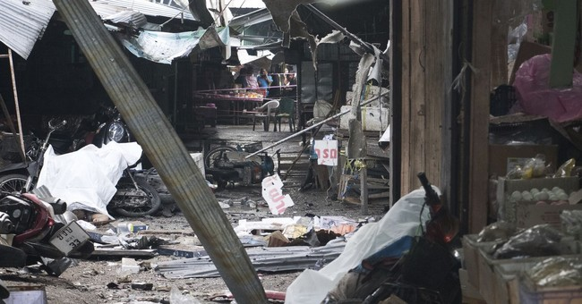 Bombing at market in southern Thailand kills 3, injures 18