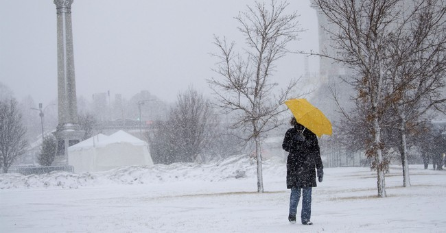 Winter storm howls through Midwest