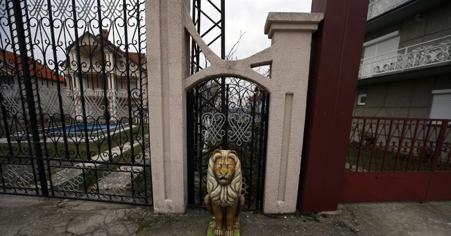 AP PHOTOS: Village of sprawling mansions empty most of year