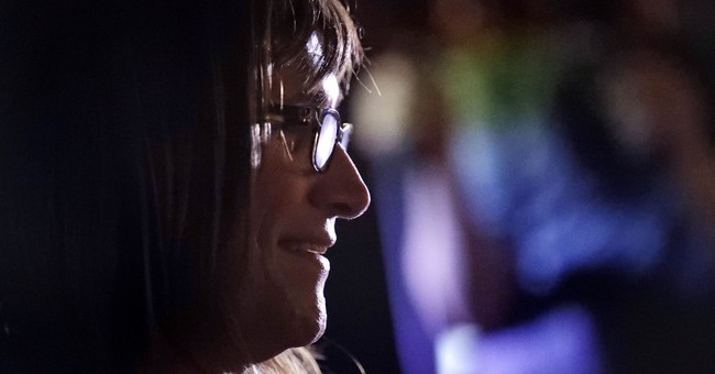 Transgender progressive Christine Hallquist wins Vermont governor primary