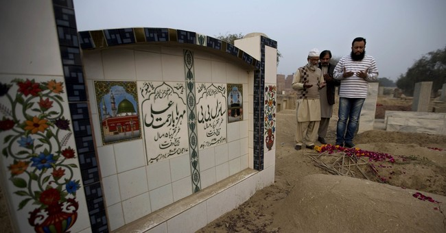 After girl's killing, Pakistani women speak out on abuse