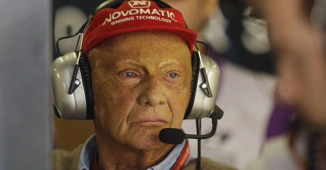 Report: Ex-Formula 1 star Lauda buys back airline he founded