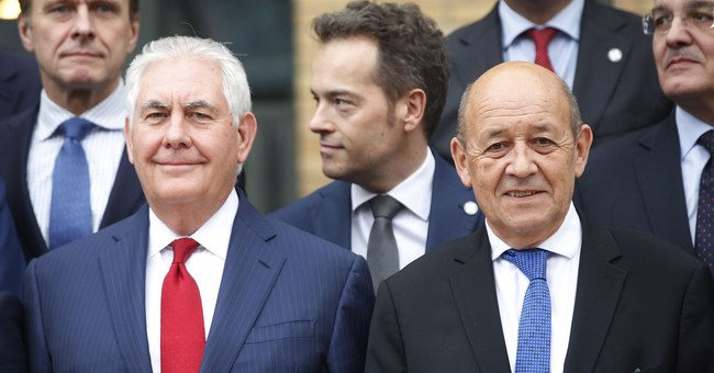 US, Russian envoys talk Syria after chemical weapons charges