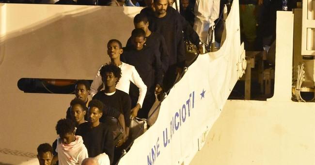 Italy disembarks stranded migrants, Interior Minister under investigation