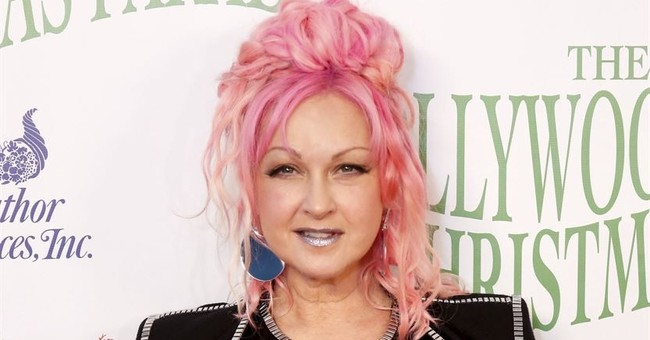 Award-winning artist Cyndi Lauper sells Connecticut home