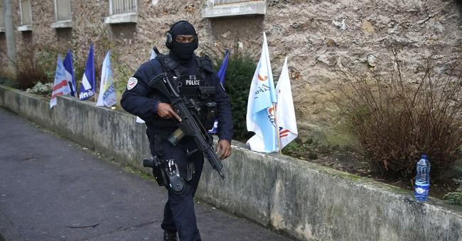 French prison guards block over 125 prisons, risk sanctions