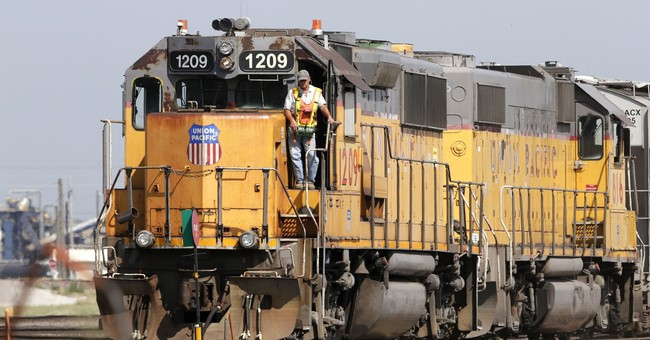 Tax cuts boost Union Pacific 4Q as railroad chugs along