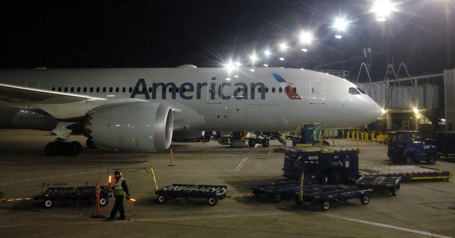 American Airlines tops Street 4Q forecasts