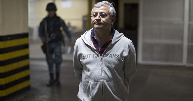 Guatemala arrests businessmen in tax corruption scheme