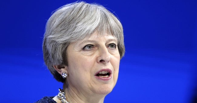 With Trump meeting, May looks to keep UK on global map