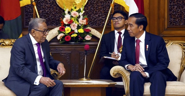 Indonesian president in Bangladesh to discuss Rohingya