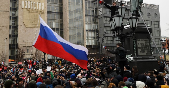 Russian opposition leader arrested amid election protests